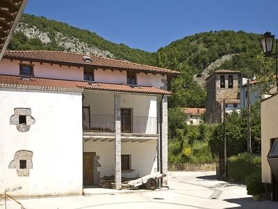 Apartamentos pirineo navarra cerca pamplona - Apartamentos turisticos en san sebastian ...