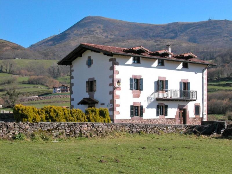 Casas rurales en amaiur maya navarra - Casa rural amaiur ...