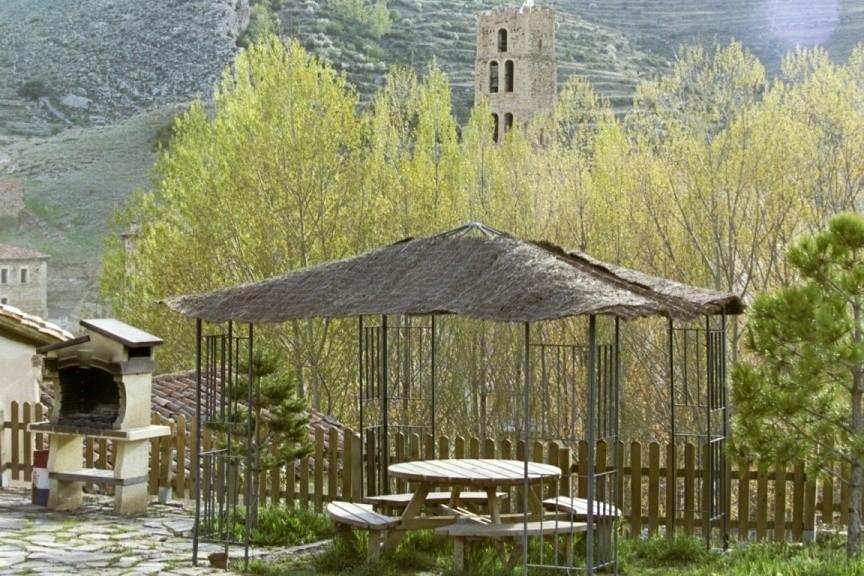 Casa rural en teruel cerca de valdelinares for Asociacion pinar jardin