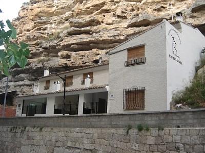 El roble - Casa rural el castillo alcala del jucar ...