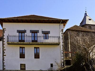 Casa rural pierra ochagav a pirineo monta a navarra - Casa rural en ochagavia ...