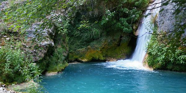 Nacimiento del urederra images for Piscinas naturales ochagavia
