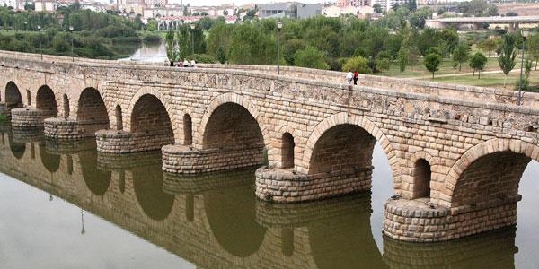 Baños Romanos Merida:Casas Rurales en Casas de Don Pedro (Badajoz)