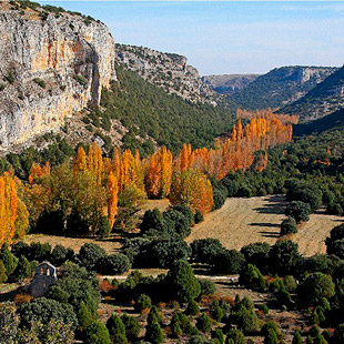 Hoces del r�o Riaza y medievo en Maderuelo
