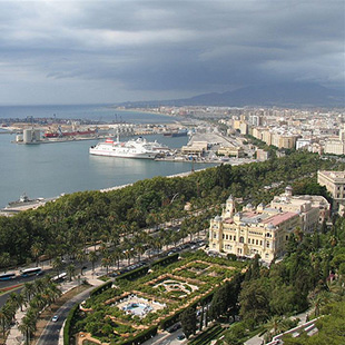 Málaga, más que bella entre Parques Naturales