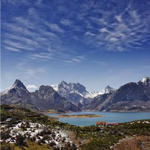 Montaña de Riaño,paisaje leonés en Picos de Europa