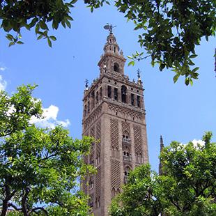 Sevilla,  la bien amada, cuidada y cantada