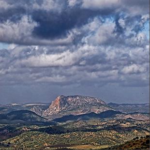 Sierra Sur sevillana, castillos y naturaleza
