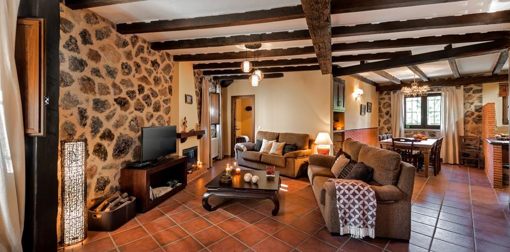 Casa rural el caldero sierra de b jar - Casa rural catalunya piscina interior ...