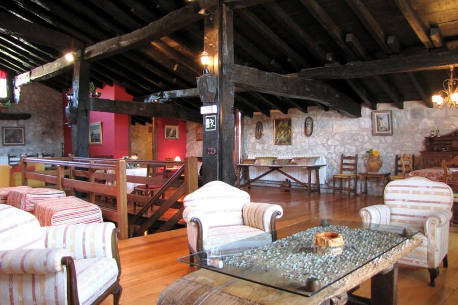 Vivienda tur stica iribesenea lekunberri pirineo monta a navarra - Casa rural lekunberri ...
