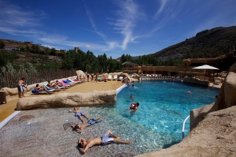Piscinas en la rioja good piscinas en la rioja with for Camping en la rioja con piscina