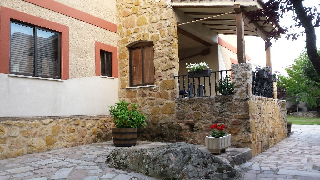 Valsain porche y jardin spa with valsain porche y jardin for Valsain porche y jardin