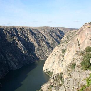 Arribes del Duero, agua tallando rocas y valles