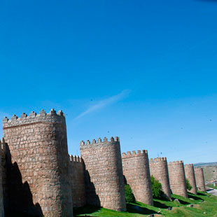 Ávila, mística y guerrera te aporta castellanía